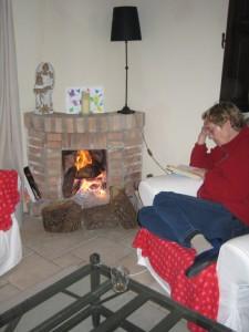 Lezen bij een behaaglijk vuurtje